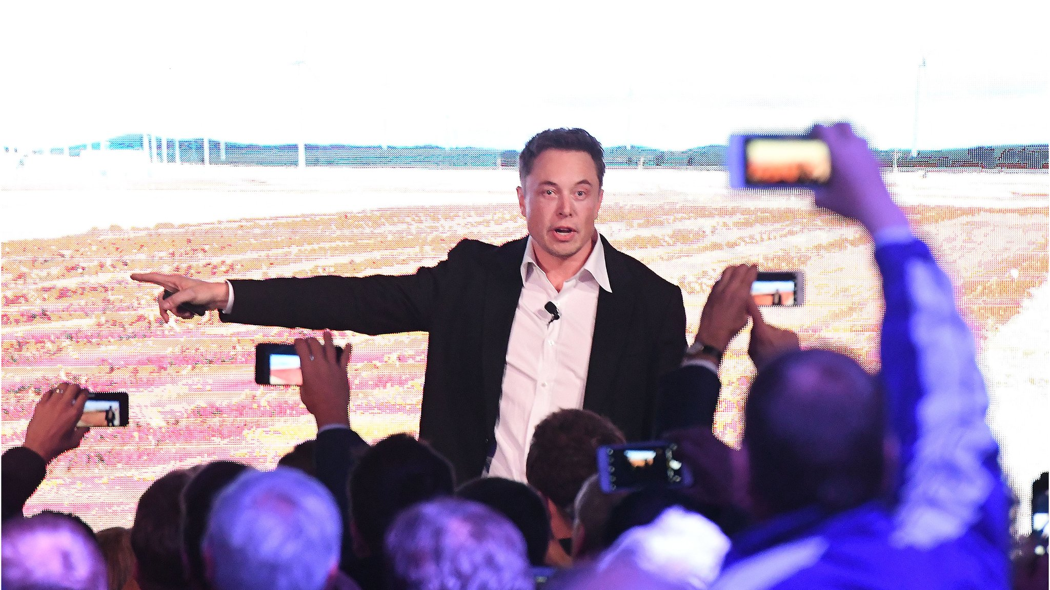 Tesla sues former worker for hacking