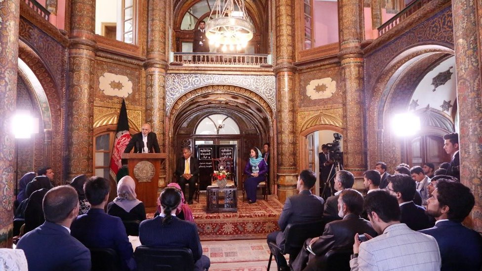 اولین مناظره 'شهروند و ارگ' در کابل برگزار شد