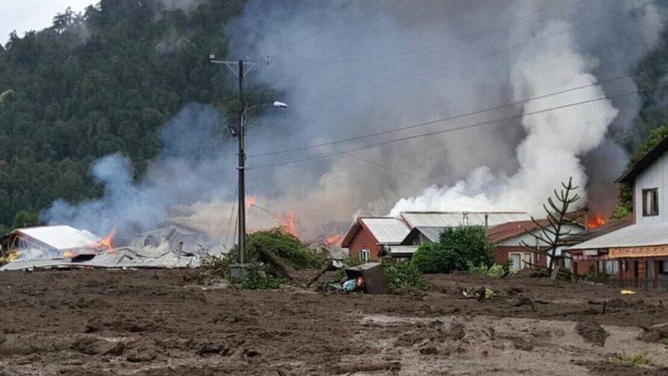 El 35% de Villa Santa Lucía quedó enterrada bajo el barro, según informó la intendencia de zona a medios locales.