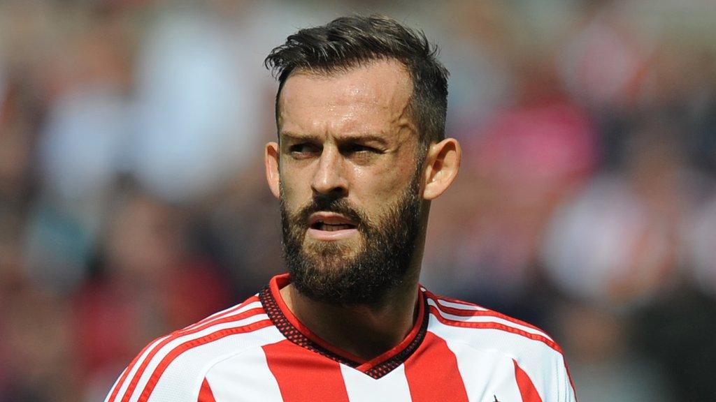 Steven Fletcher: Former Sunderland striker signs for Sheffield Wednesday