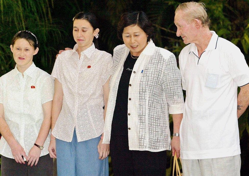 La familia Jenkins reunida en Indonesia en 2004