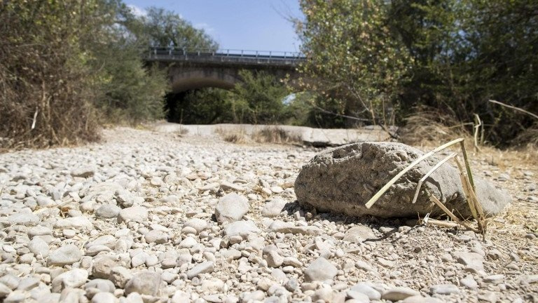 Italy drought: Water cuts pose Rome 'health risk'