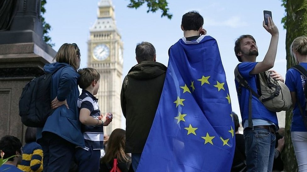 Ministers urged to protect rights of EU citizens in UK