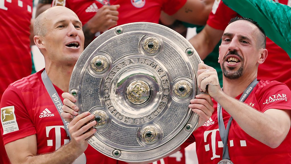 Bayern Munich: Arjen Robben & Franck Ribery score as Bayern win seventh straight title
