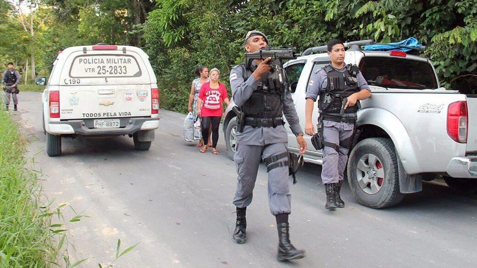 برازیل کې د تښتېدلو بندیانو لټون دوام لري