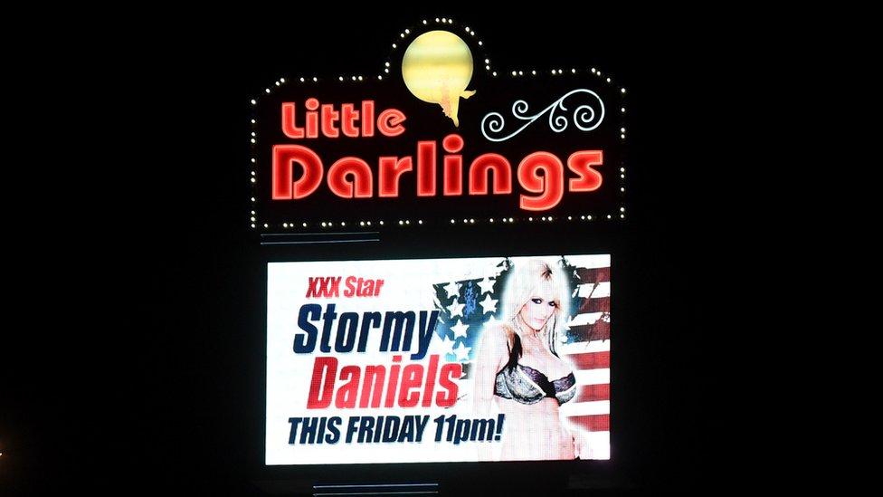Sotrmy Daniels es parte de dos de los salones de la fama más conocidos de la industria del cine para adultos de EE.UU.