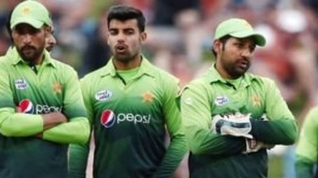 پاکستان کرکٹ ٹیم بمقابلہ پاکستان کرکٹ بورڈ