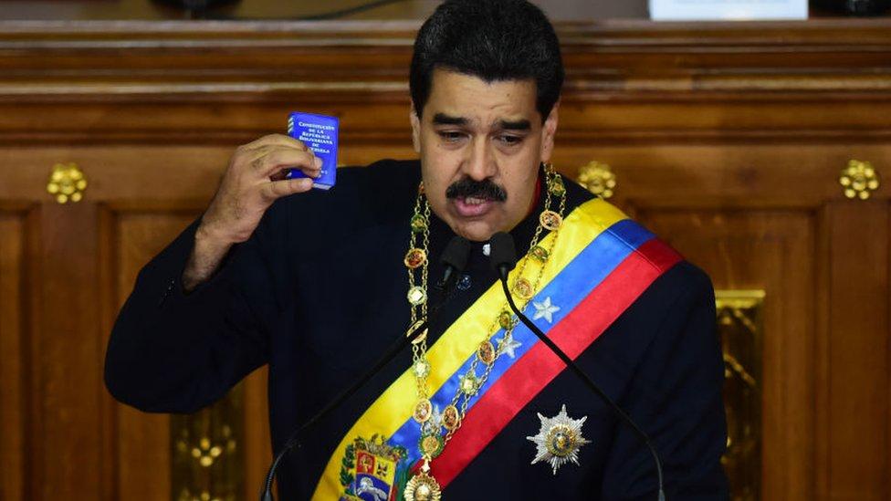 Para Nicolás Maduro, la Asamblea Constituyente es una salida a la grave crisis política y económica que vive el país.