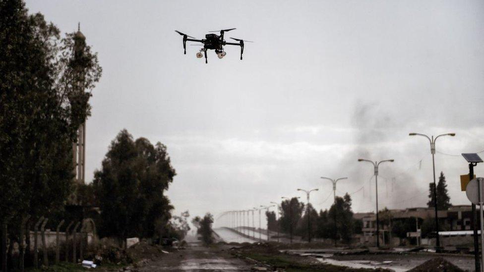 Drone iraquí capaz de lanzar pequeños explosivos en Mosul contra el Estado Islámico.