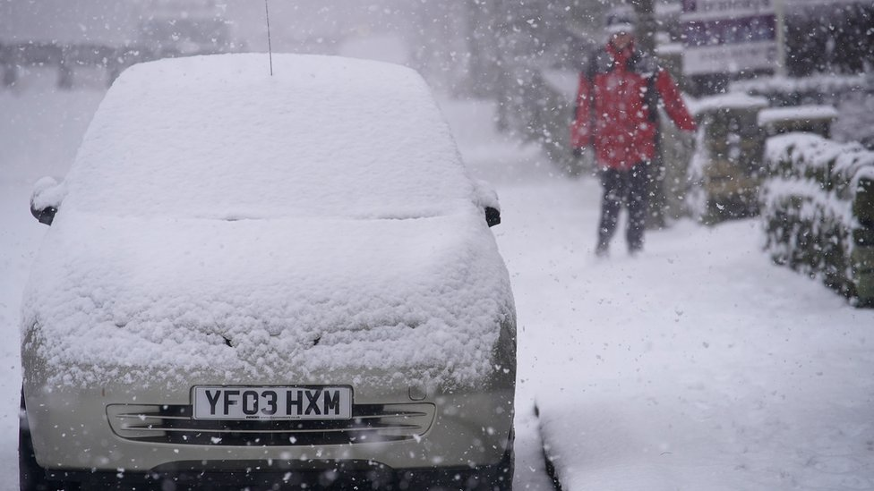 UK weather: Spring 'postponed' as cold snap hits UK