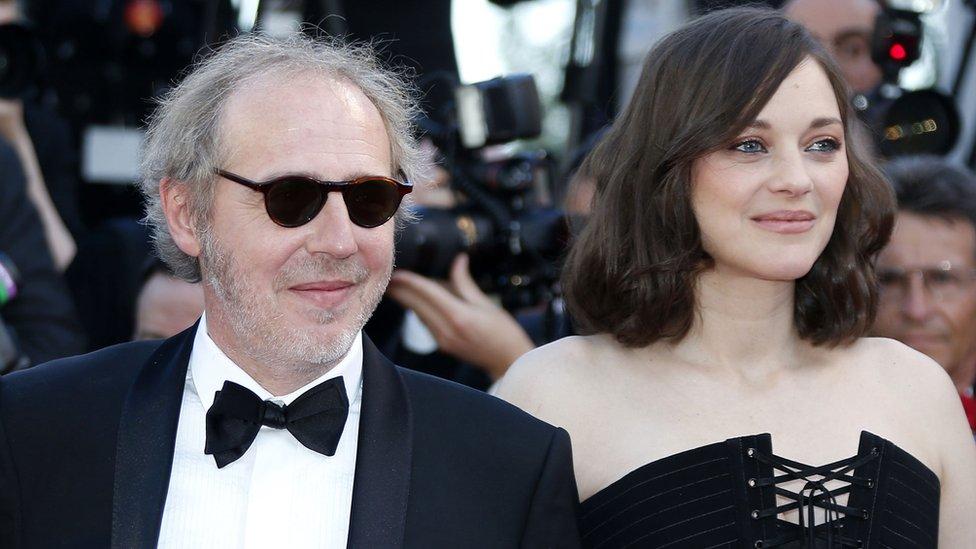 المخرج الفرنسي أرنو ديبليشان والممثلة ماريون كوتيار