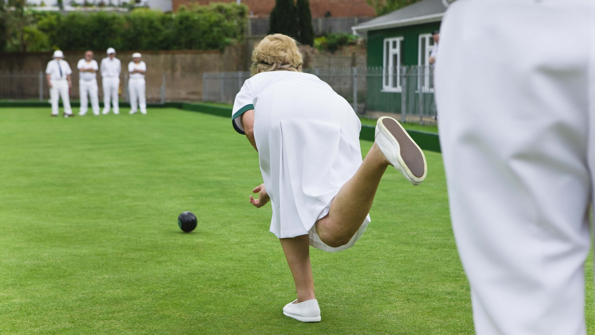 'World's oldest' bowling club refuses to lift ban on women