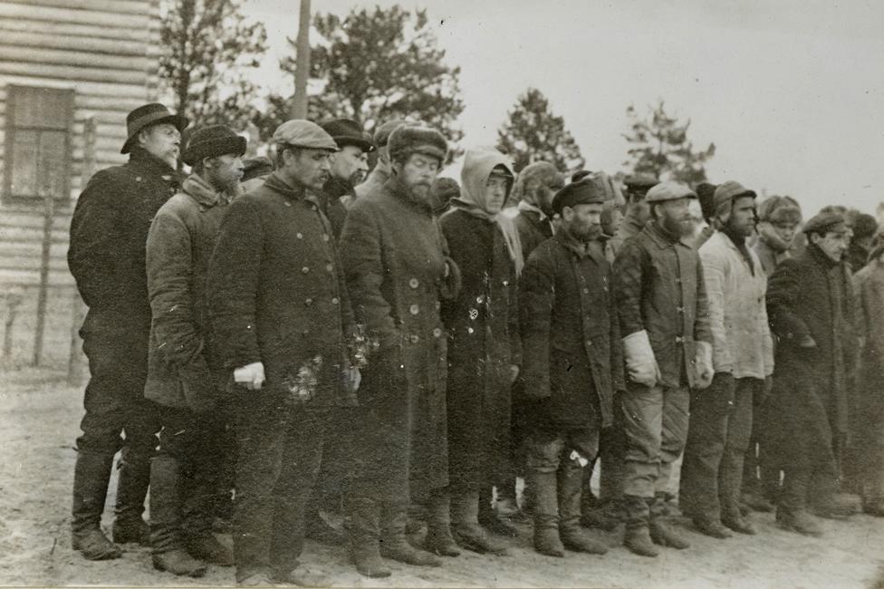 Los aliados no podían distinguir entre blancos y rojos, así que encarcelaban a cualquier sospechoso en la isla de Mudyug. (Foto: Library of Congress)
