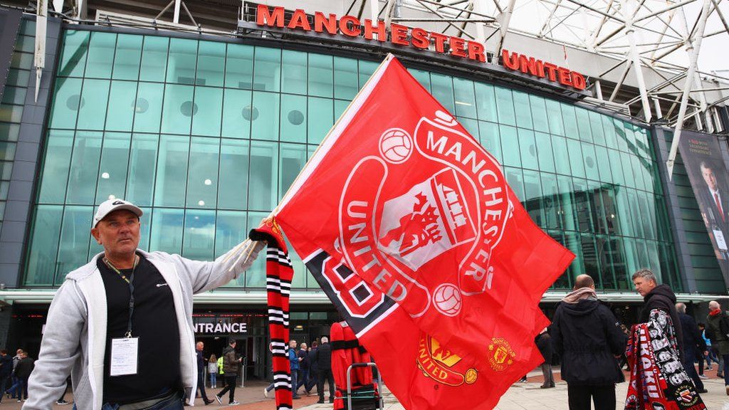 Man Utd to discuss ideas for improving Old Trafford atmosphere
