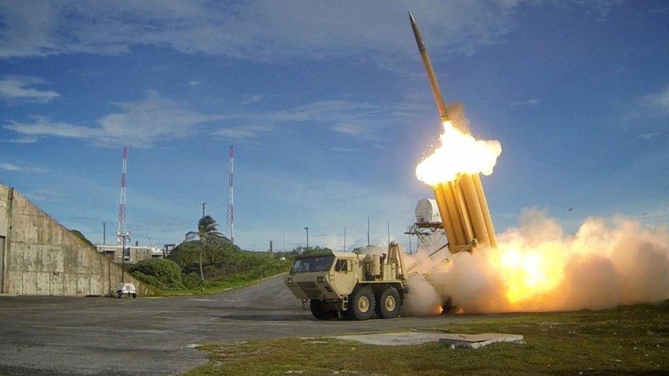 El interceptor del sistema de Defensa de Área de Alta Altitud Terminal (THAAD) durante una prueba de lanzamiento.