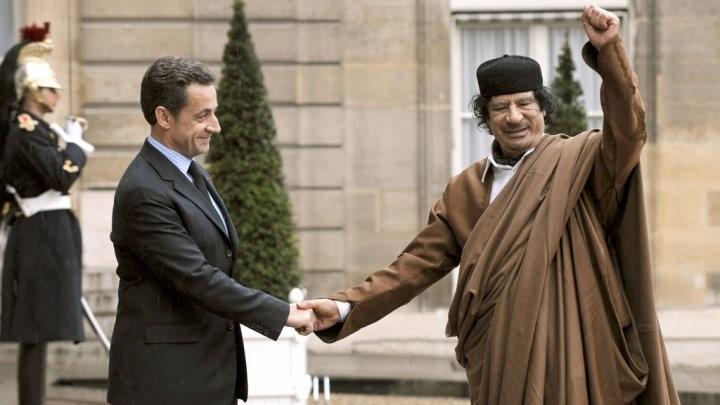 """Pourquoi Kadhafi """"hante"""" Sarkozy"""