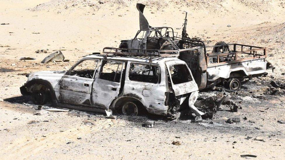سيارة محترقة في سيناء