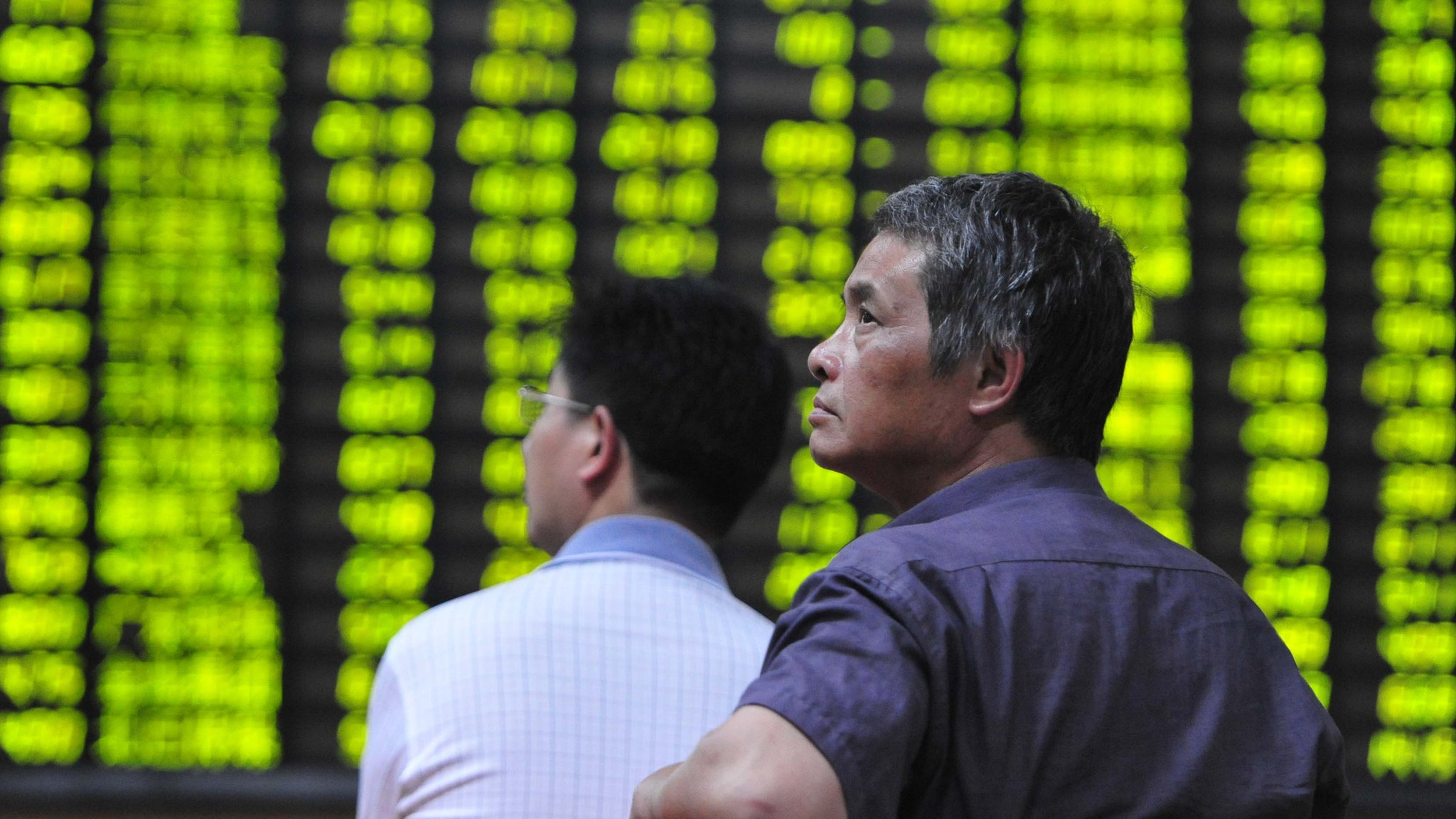 Shares in mainland China continued their slide on Tuesday, a day after the Shanghai Composite index saw its biggest one-day drop in eight years.