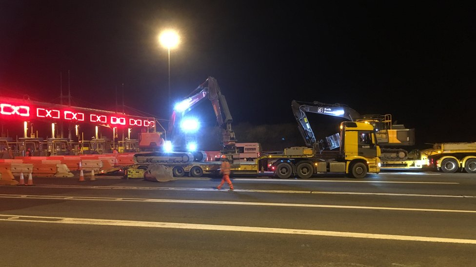 Severn bridges: Work begins to remove M4 toll booths