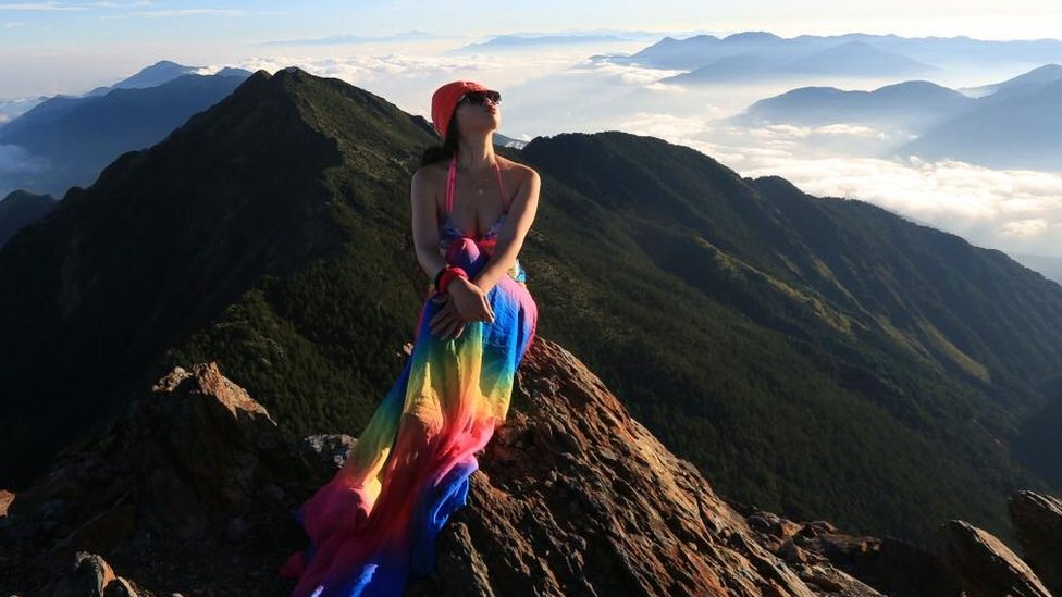 Taiwan 'bikini hiker' dies on solo climb despite search efforts