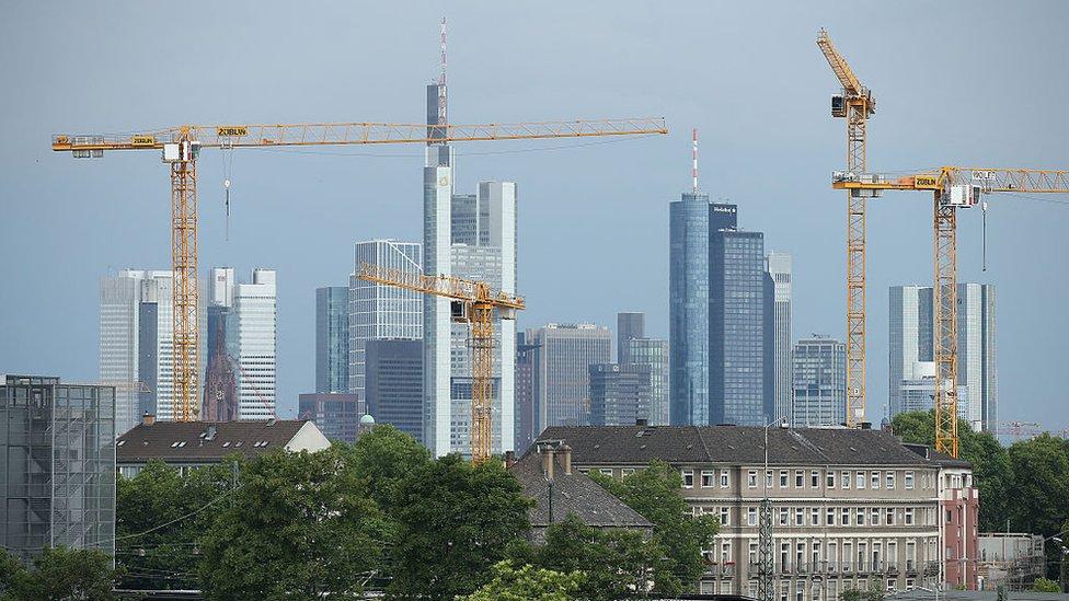 Algunos sugieren que la ciudad y su región podrían ganar 100.000 trabajos extra.