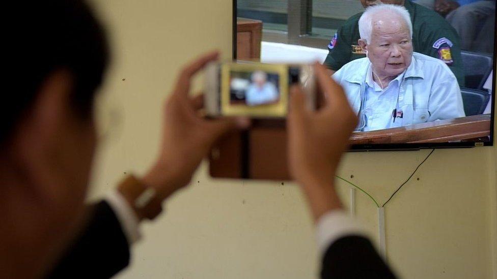 Lãnh đạo Khmer Đỏ bác bỏ tội giết người