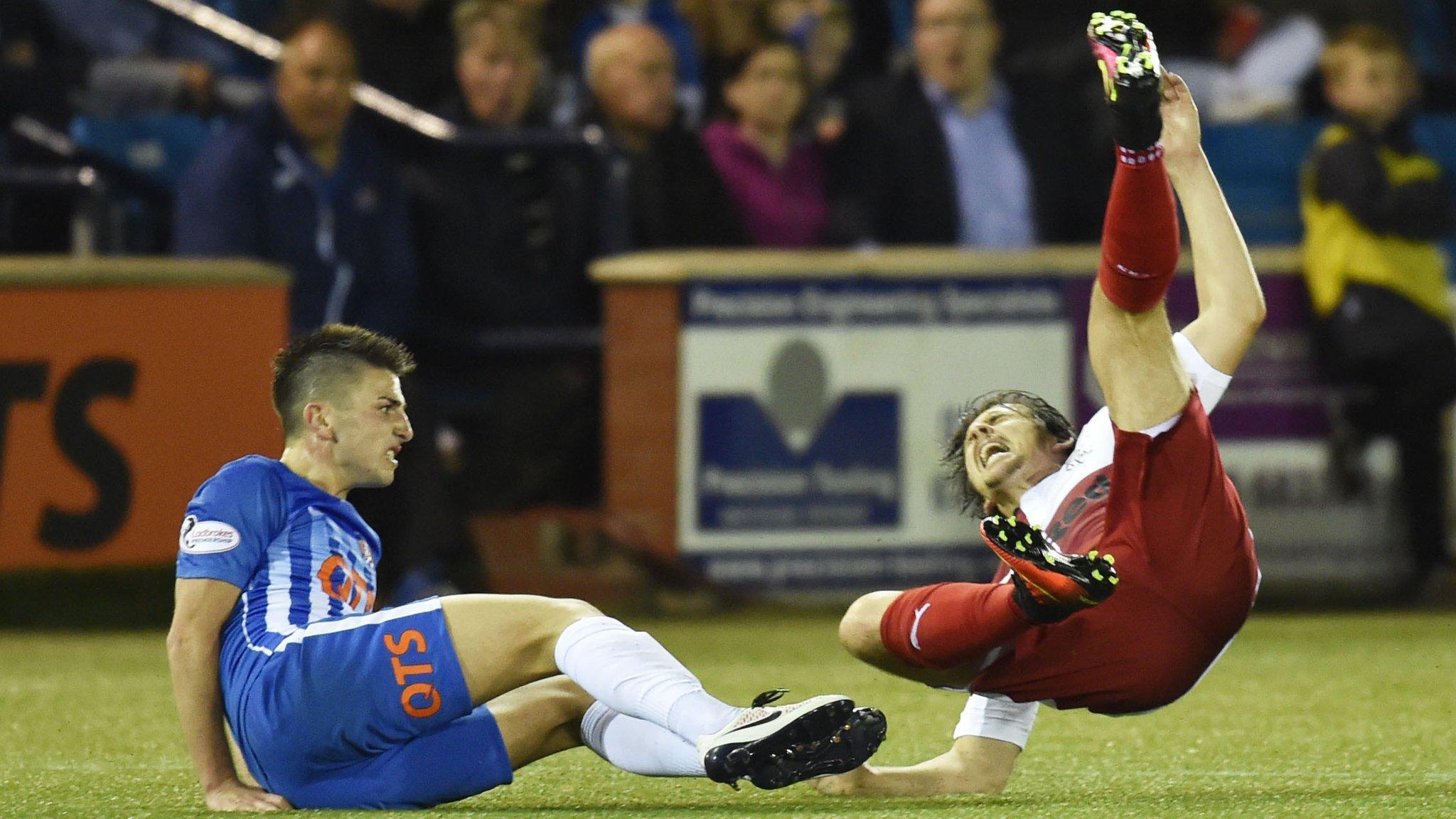 Rangers held by 10-man Kilmarnock