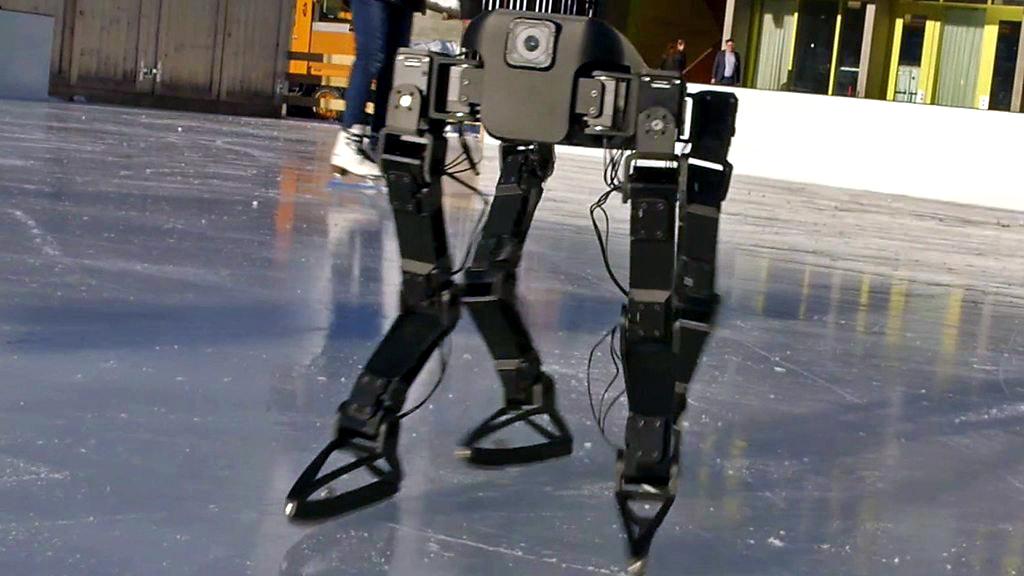 Robot teaches itself to ice-skate