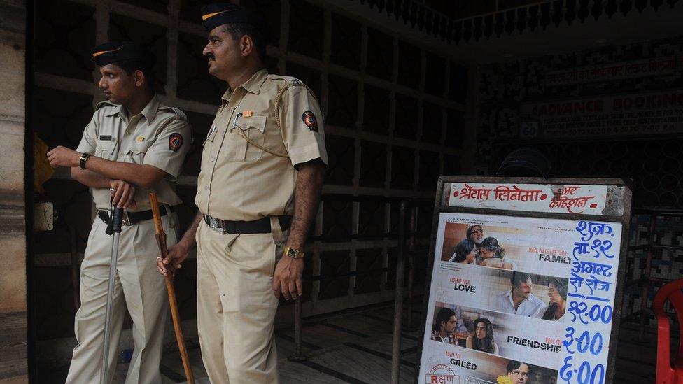 'گاڑی کی سیٹوں پر خون نہ لگے'، پولیس کا زخمیوں کی مدد سے انکار