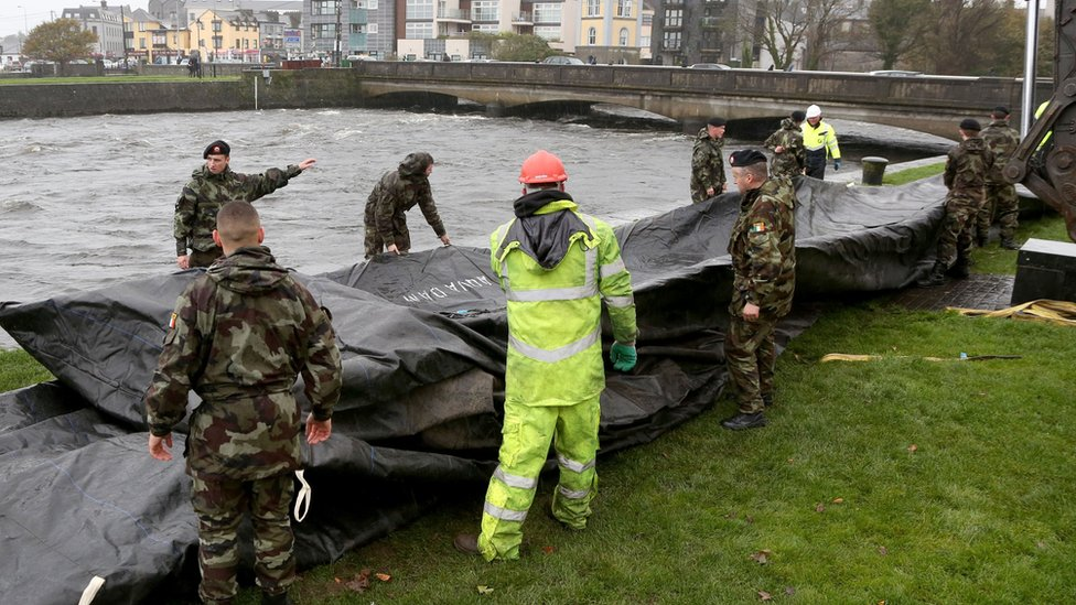 Storm Brian: UK braced for gale-force winds and disruption