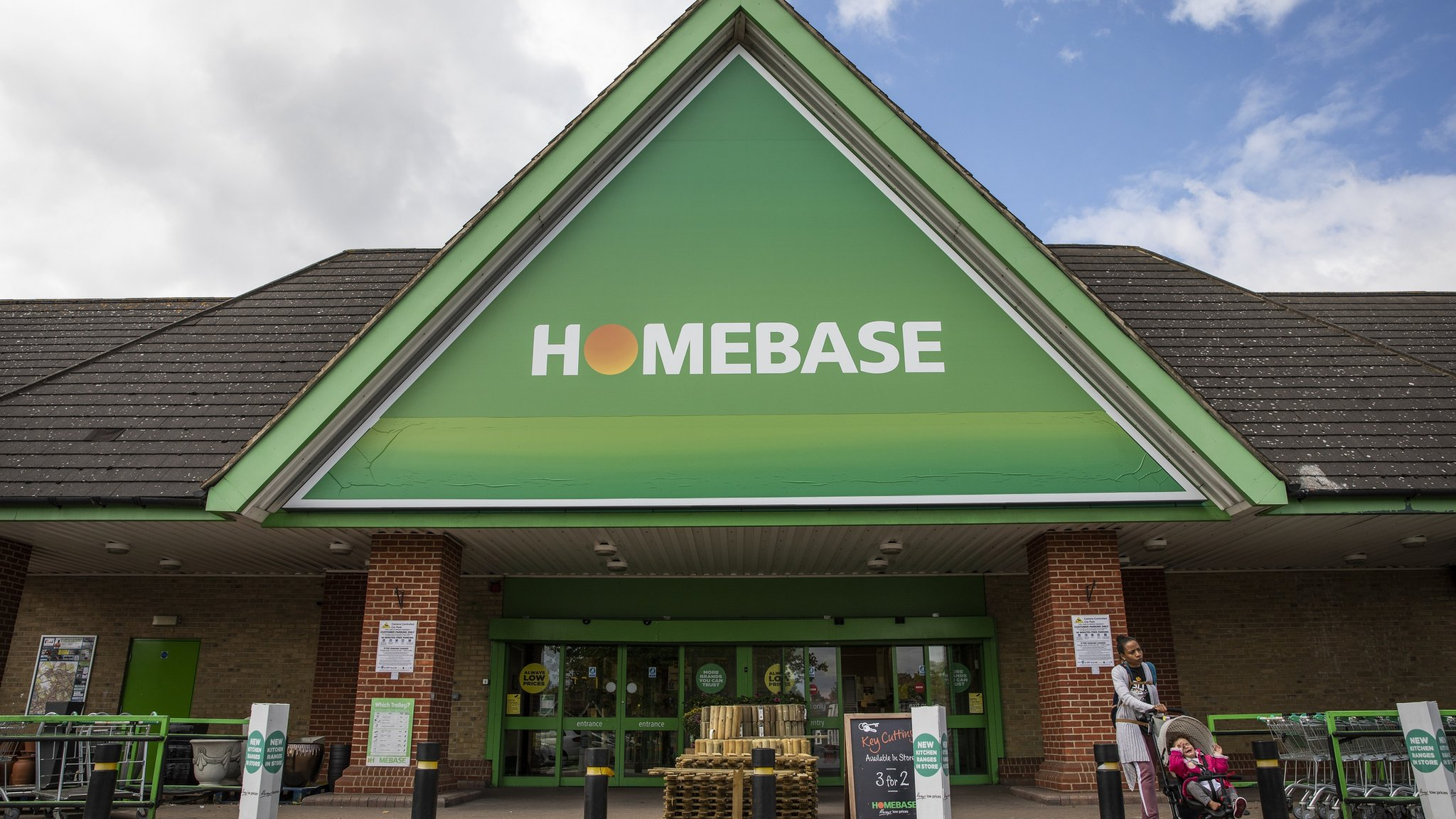 Homebase plans to close 42 stores and cut 1,500 jobs