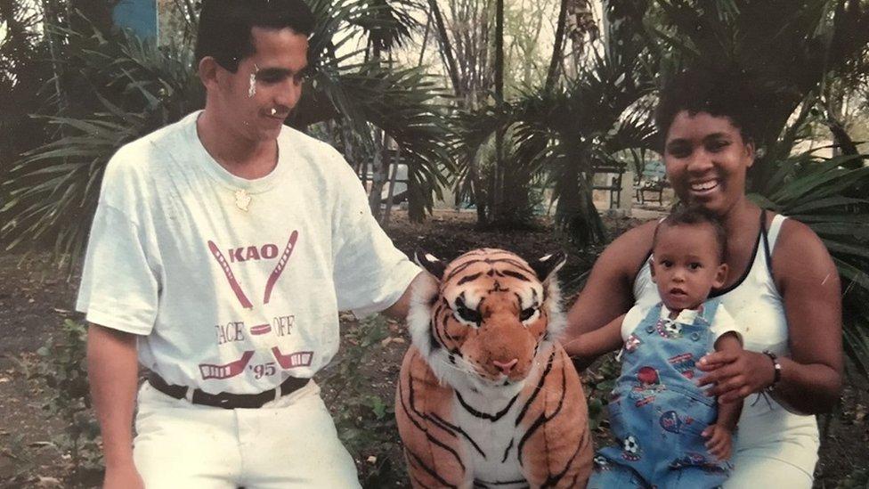 Emanuel y sus padres
