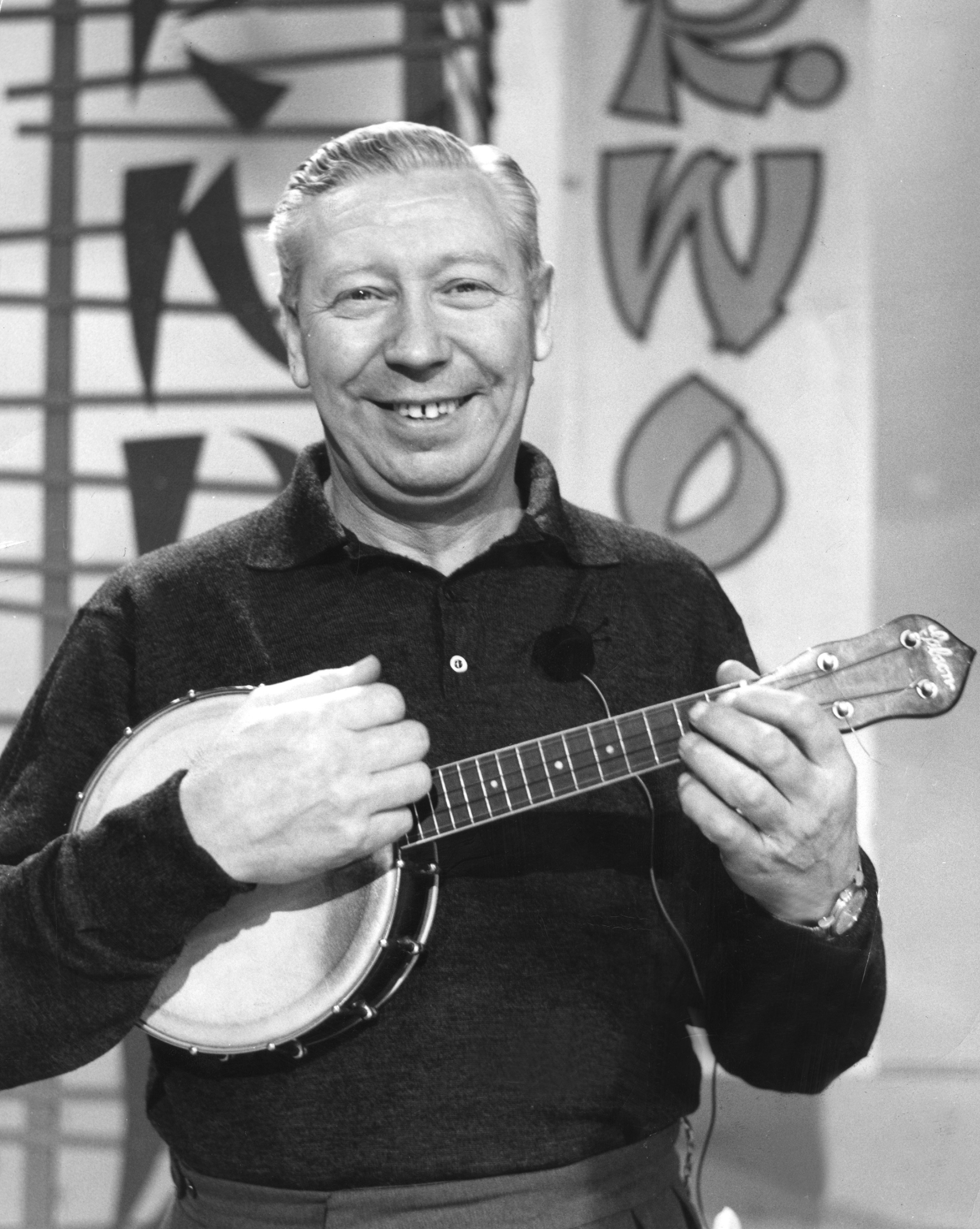 what instrument did george formby play