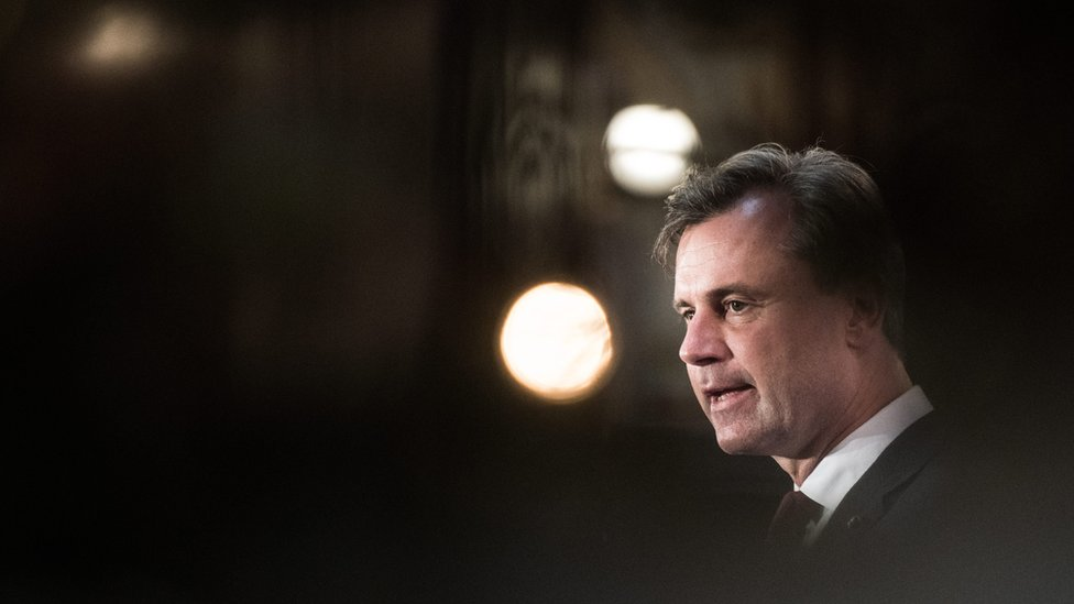 Austria election pits far right against veteran liberal