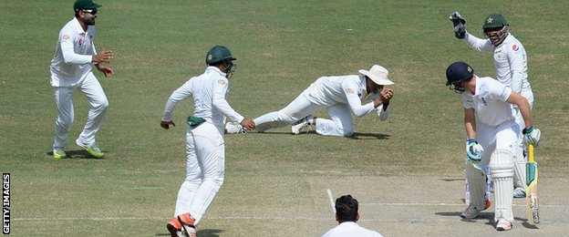 Younus Khan catches Jos Buttler