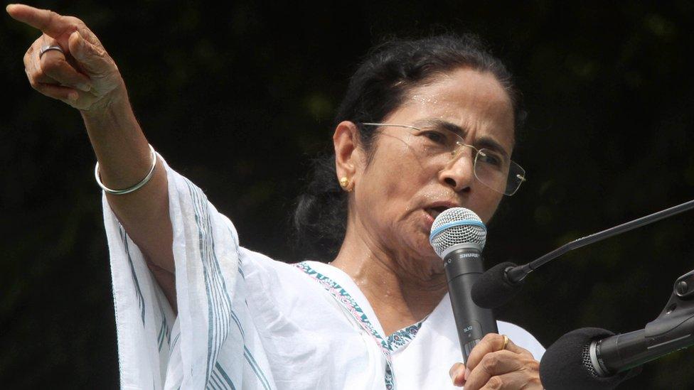 মমতা ব্যানার্জির ক্ষোভ: পশ্চিমবঙ্গের নাম পরিবর্তন আটকে আছে