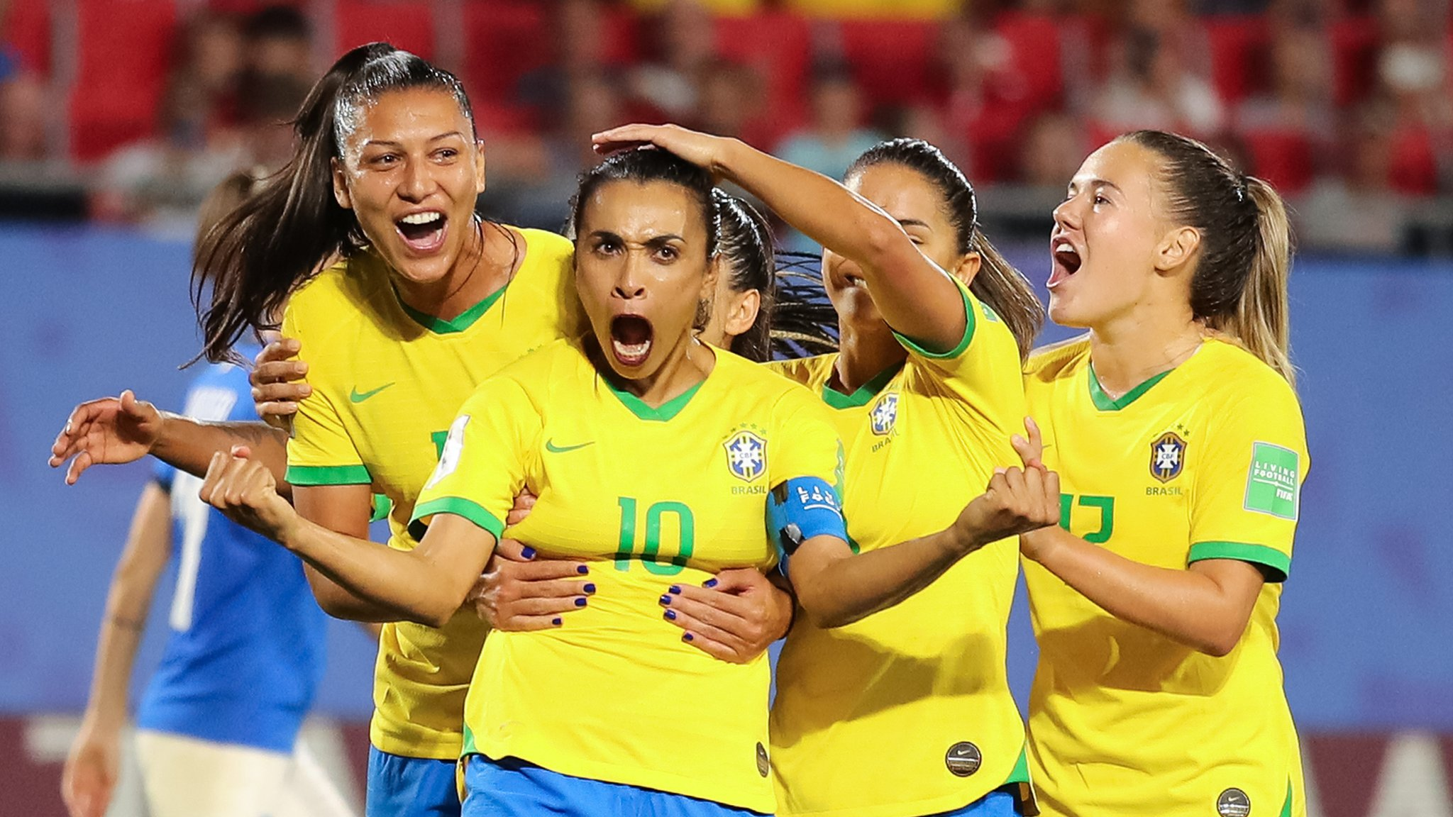 Marta becomes record scorer at World Cup finals as Brazil beat Italy to reach last 16