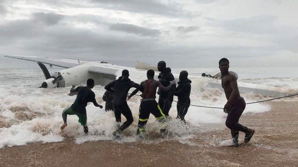 Біля узбережжя Африки впав вантажний літак