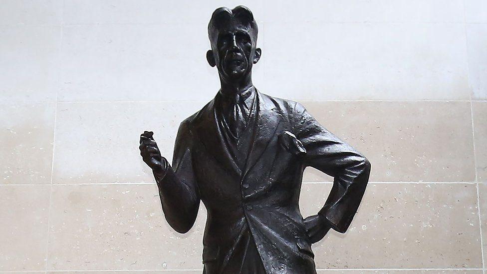 تمثال جورج أورويل