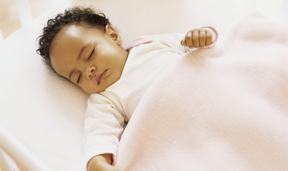 La tasa de mortalidad infantil en Finlandia empezó a descender a finales de la década de 1930.