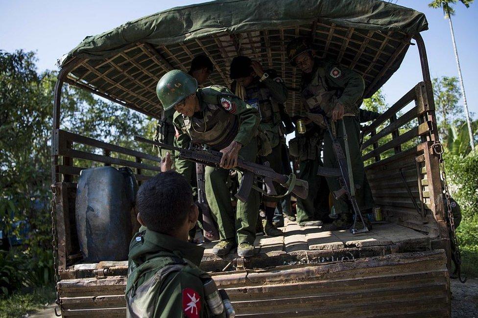 Soldados en Myanmar.