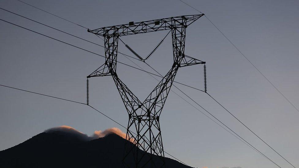 En el periodo de junio de 2014 al mismo mes de 2015, el precio promedio de energía cayó 32% en los países de América Central.
