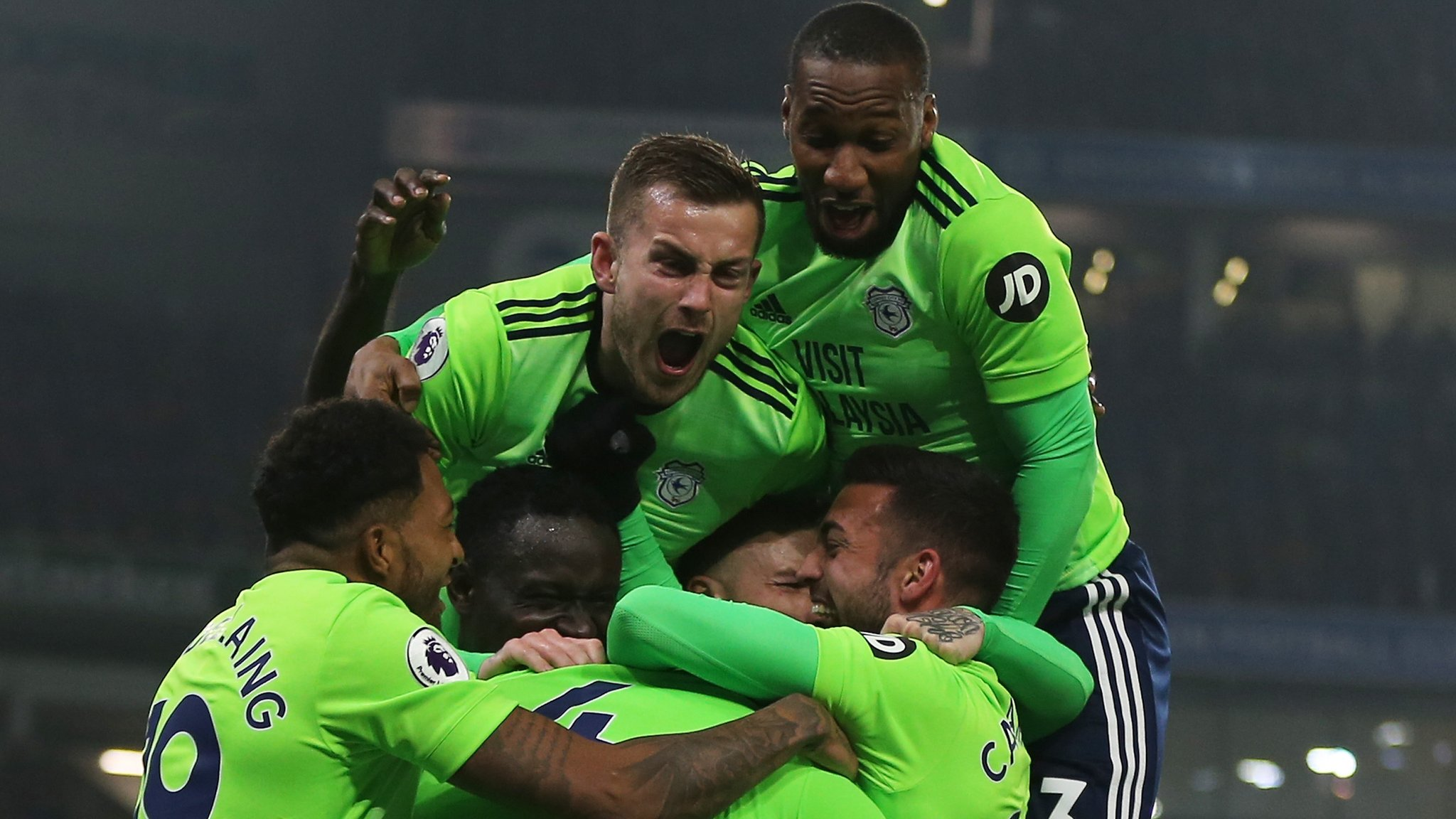 Neil Warnock: Manager hails Cardiff City's 'guts and determination'