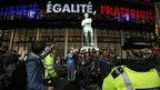 Wembley statue