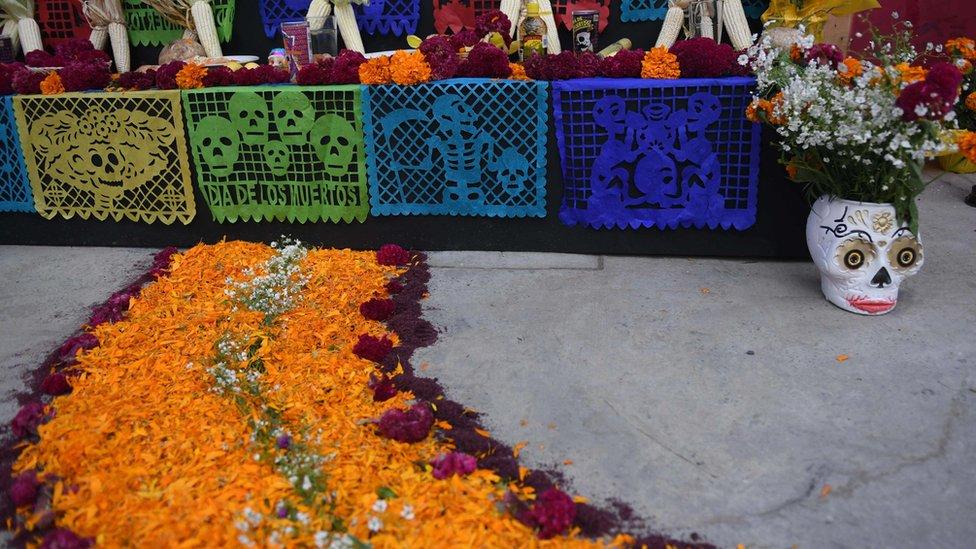Un altar de muertos en México