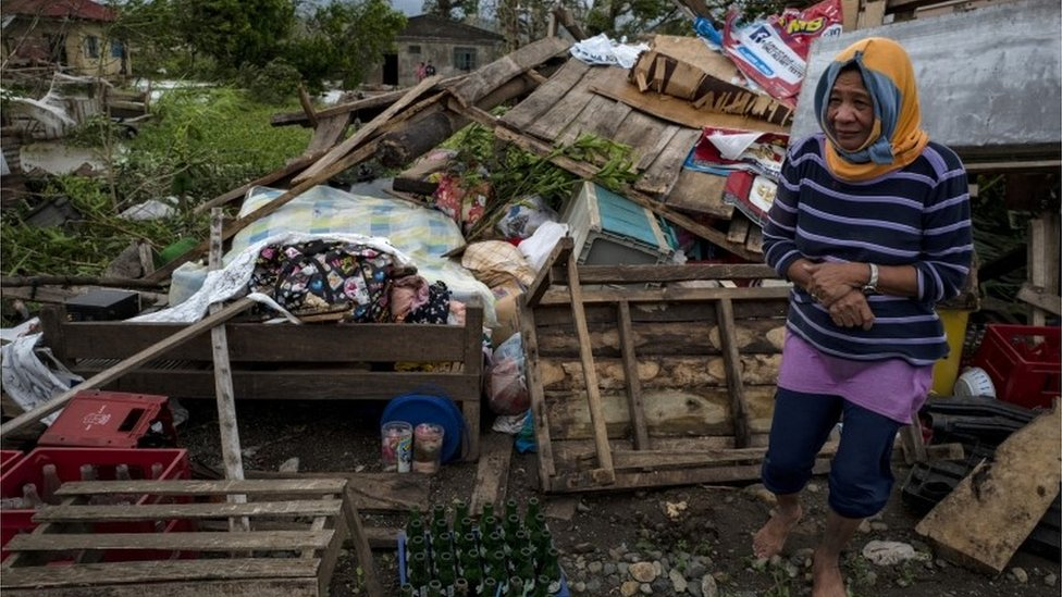 Typhoon Mangkhut: 14 killed as storm batters Philippines