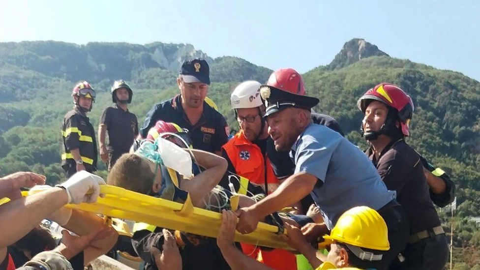 Ischia earthquake: Race to free last of three brothers from rubble
