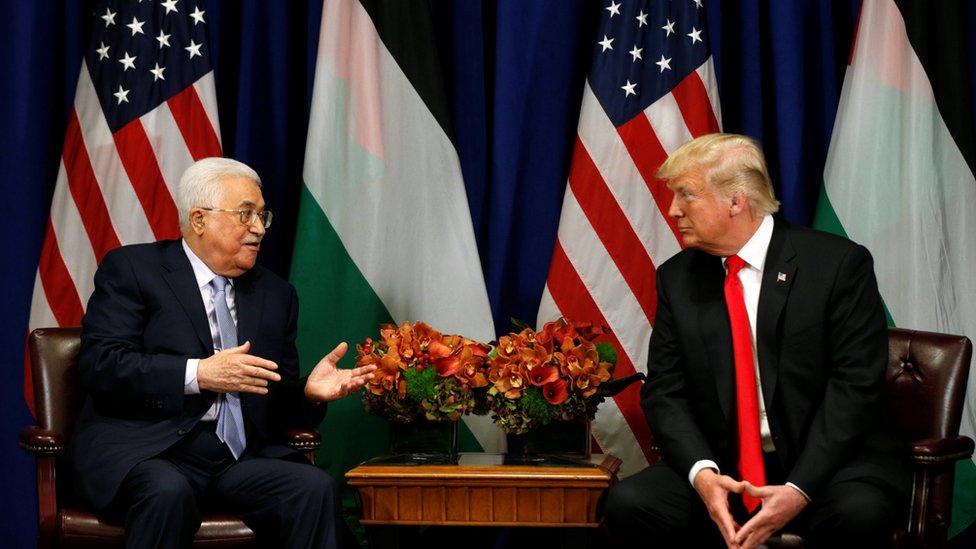 الفلسطينيون يهددون بتجميد العلاقات مع واشنطن إذا أغلقت مكتب منظمة التحرير