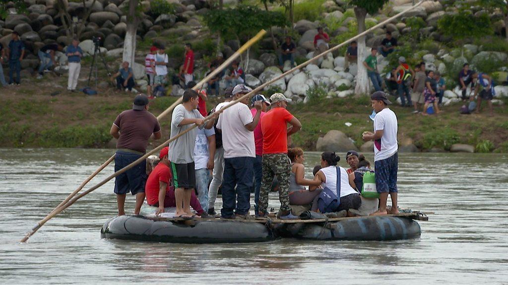 Migrant caravan: Desperate members illegally cross into Mexico   BBC