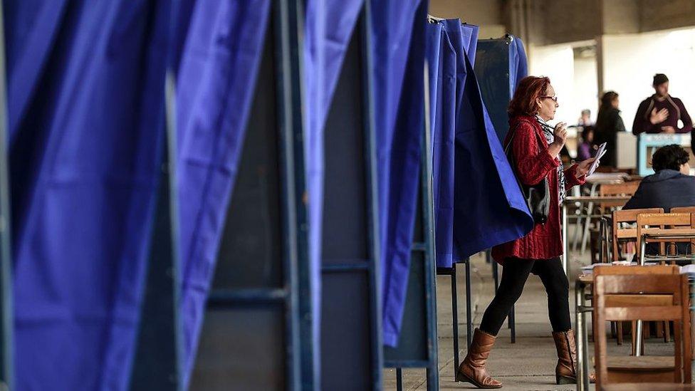 Puestos de votación en Chile